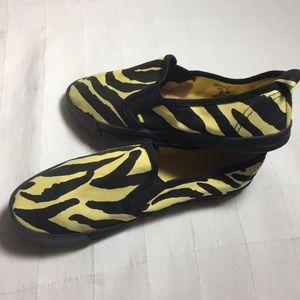 Fun retro H&M Dividcd slip on canvas shoes 7
